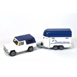 Mercedes 280 GE with horse trailer