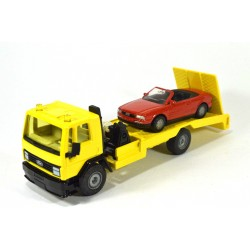 Ford Cargo recovery truck