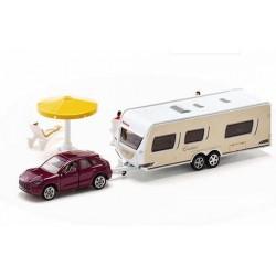 Porsche Macan with caravan