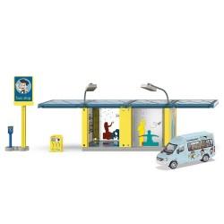Bushalte met schoolbus