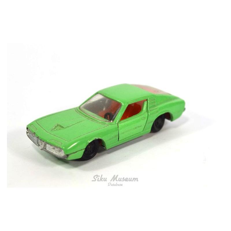 Alfa Romeo Montreal