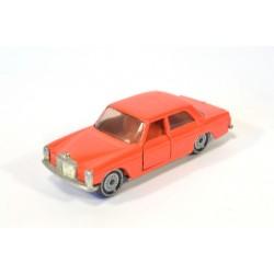 Mercedes 250/8