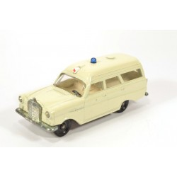 Mercedes 190 Ambulance