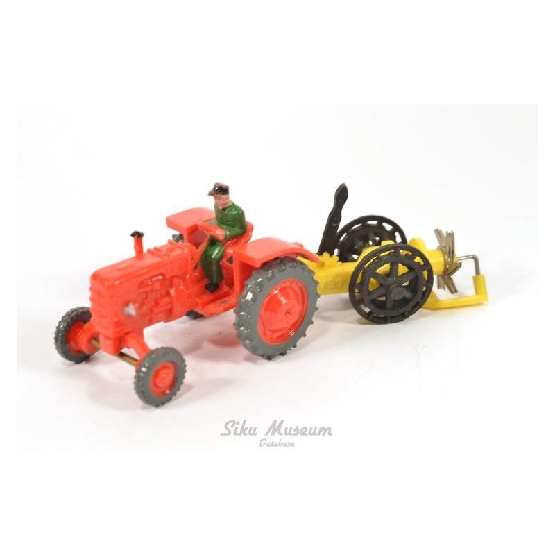 Fahr tractor met hooimachine