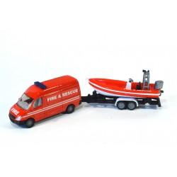 Mercedes Sprinter mit Anhänger und Boot Fire & Rescue