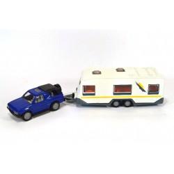 Opel Frontera with caravan