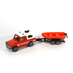 Mercedes 280 GE with rescue boat
