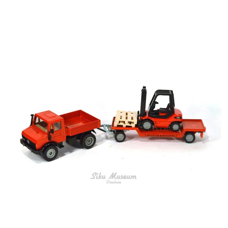 Mercedes Unimog 1500 with forklift