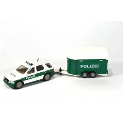 Mercedes ML 320 with horse trailer Polizei
