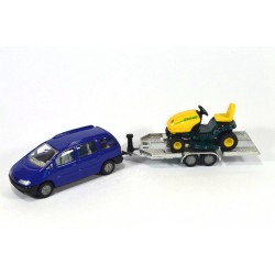 Volkswagen Sharan with trailer and lawn mower