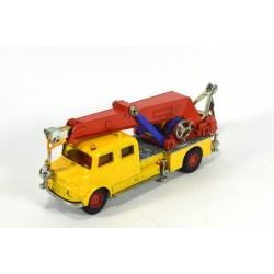Mercedes Kranwagen