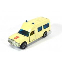 Mercedes 200 (W123) ambulance Malteser