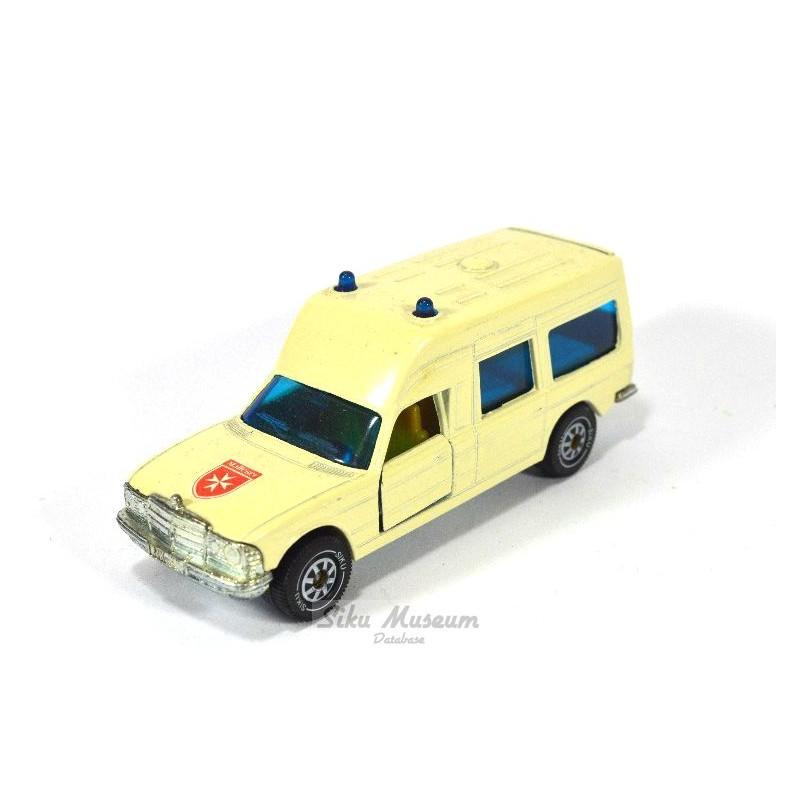 Mercedes 200 (W123) ambulance Malteser
