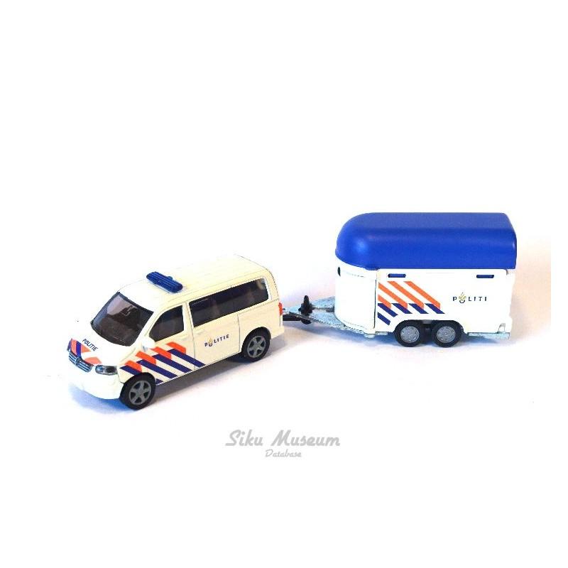 Volkswagen Transporter T5 mit Pferdeanhänger Politie