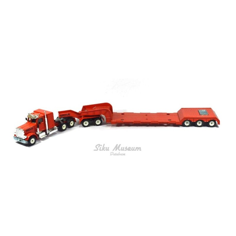 Peterbilt with low loader GROVE