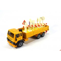 Volvo F7 road sign transport