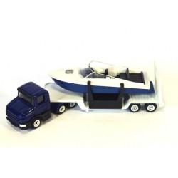 Scania met dieplader en boot