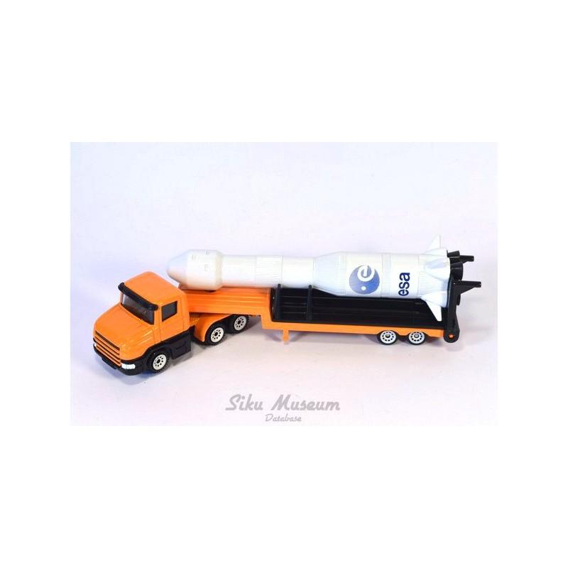 Scania met dieplader en Ariane raket