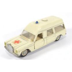 Mercedes 250/8 Binz Europ 1200 L Ambulance