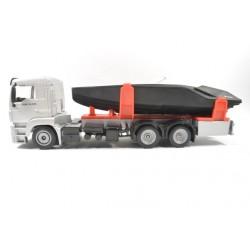 MAN TGM 26.320 met speedboot